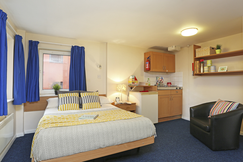 Loughborough student accommodation bedroom