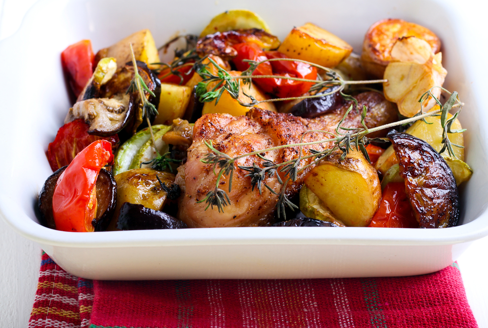 10 Seriously Yummy Chicken Traybake Recipes To Cook For Your Mates
